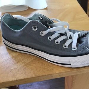 Converse Shoes - Converse low tops